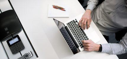 Personal finden in der Krise: Schnelle Unterstützung von eRecruiter & karriere.at